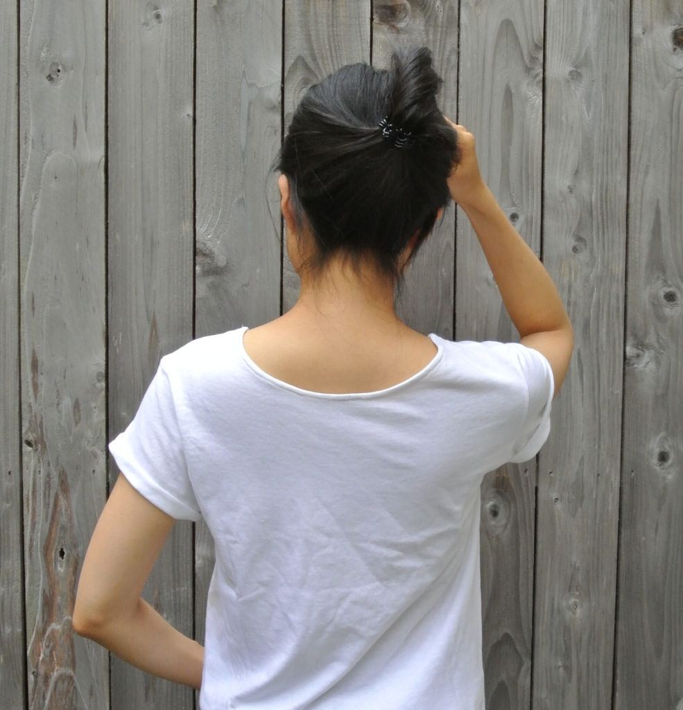 How to alter crew neck t shirt neckline. Finished crew neck t shirt on model back view