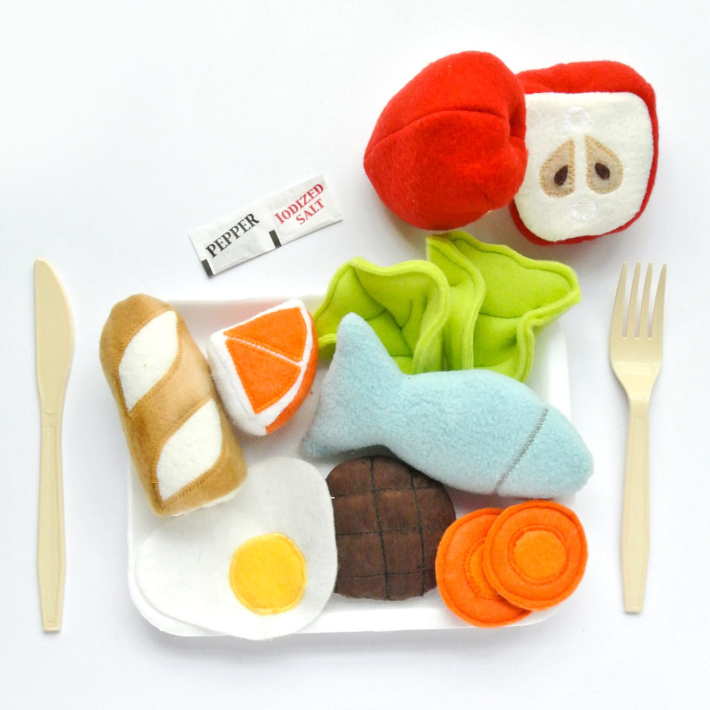 Pretend Play Food Fish Lettuce Burger Eggs Carrots Applies Oranges Baquette