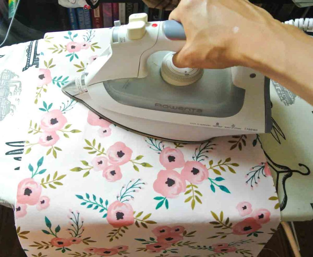How to make Reversible Tote bag ironing fusible to tote piece