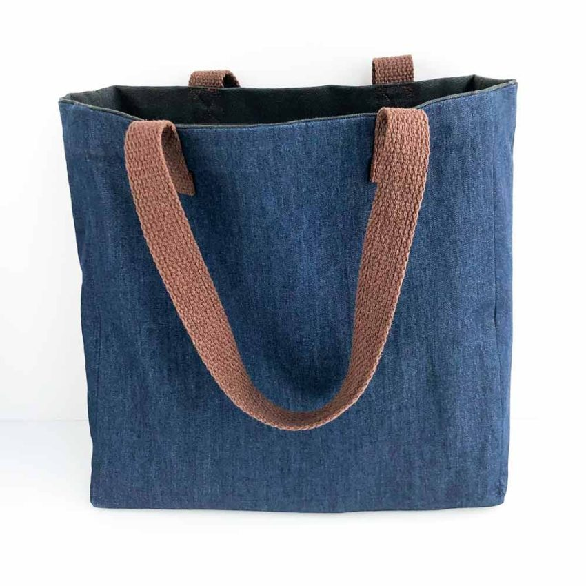 Simple tote bag with lining